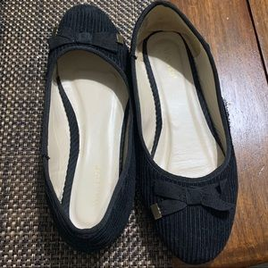 Black WANTED Flats